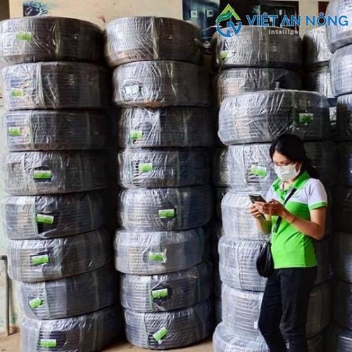 Ống LDPE phi 20mm dày 1.4mm nhập khẩu cao cấp 2